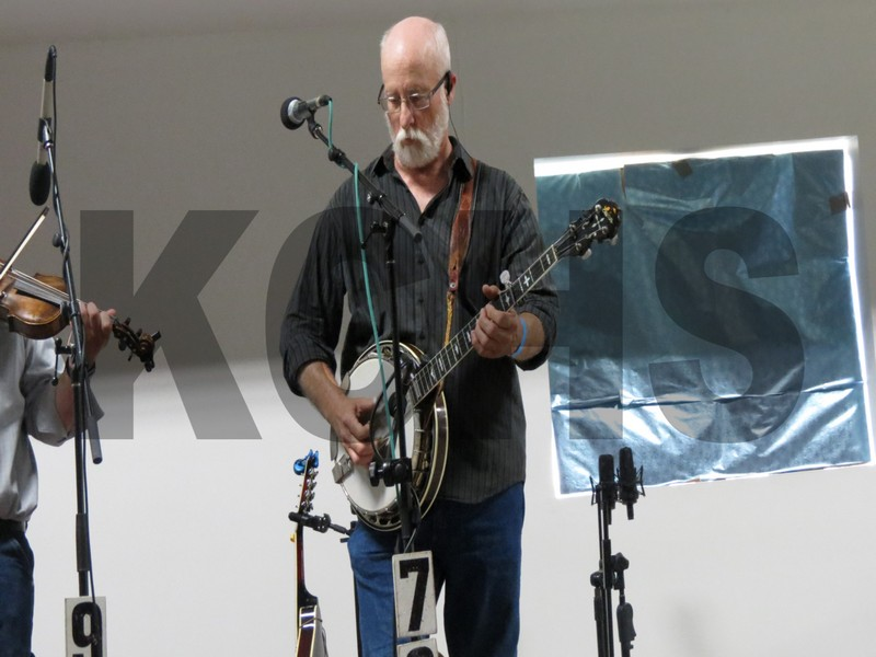 Banjo player from Mackville performing at the bluegrass festival